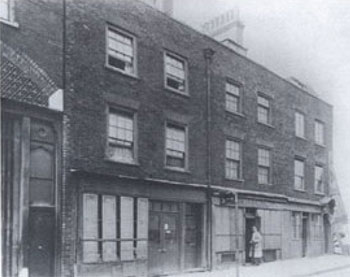 Cable Street storefronts in 1943